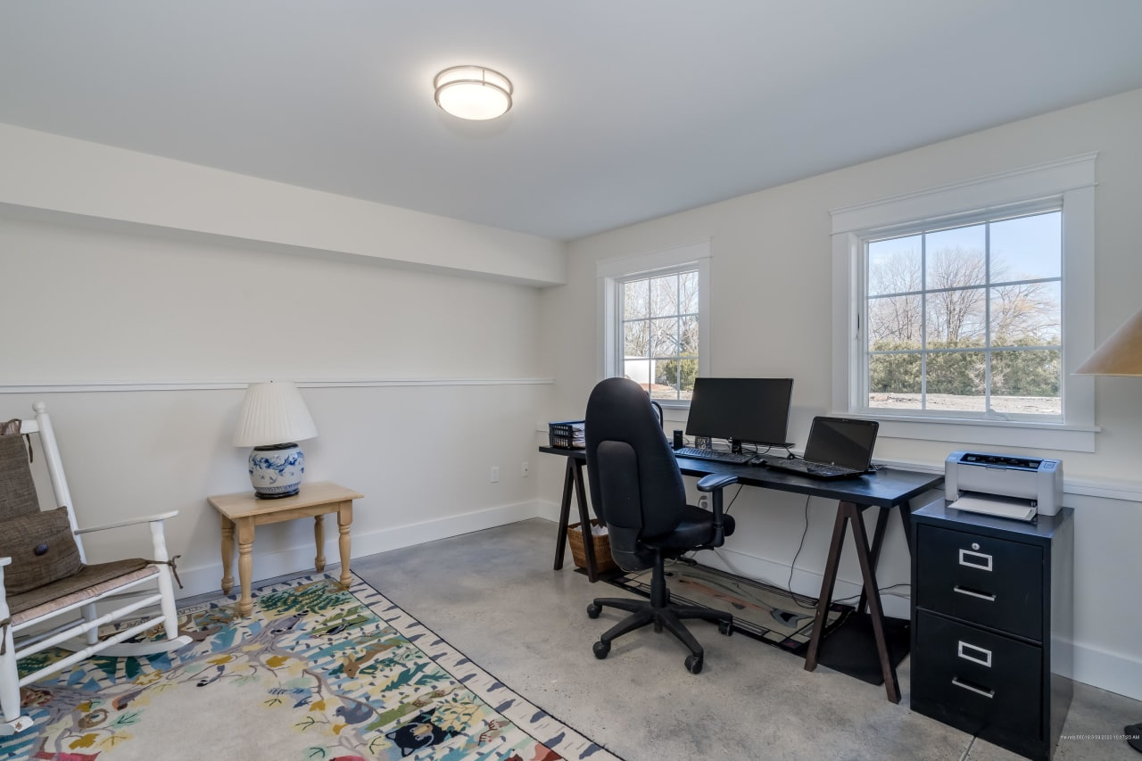 Tastefully Designed Townhouse on Falmouth Foreside