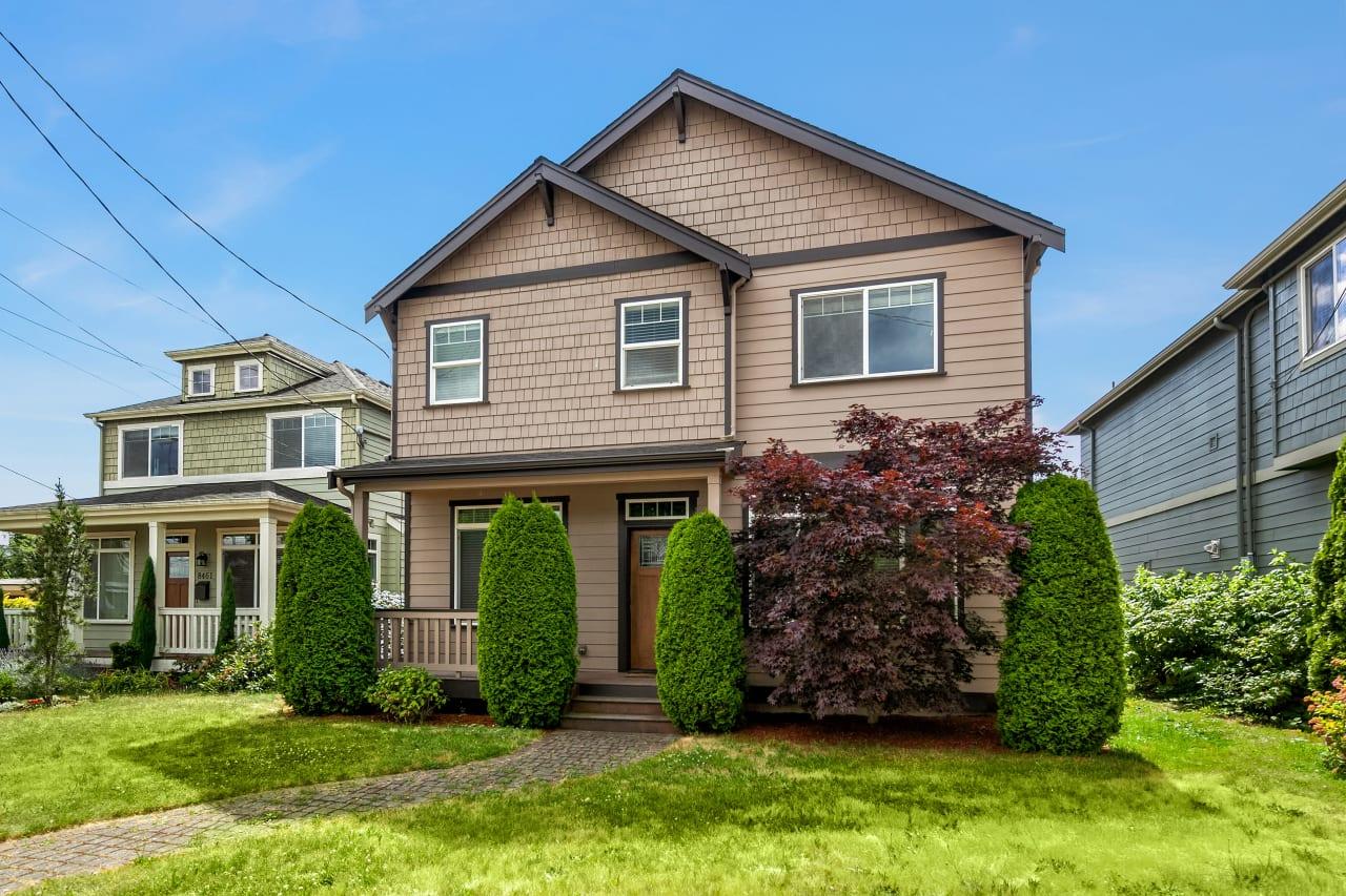 8459 Seward Park Ave S, Seattle 98118