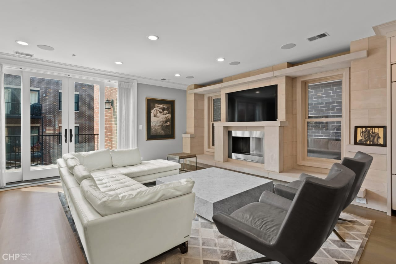 Luxurious Old Town Penthouse: 1538 N North Park, #2