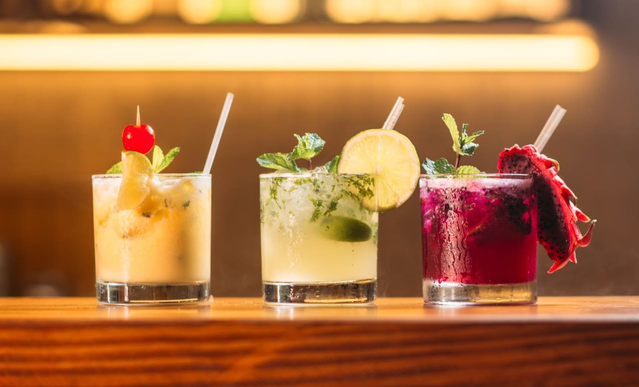 7 Unique Cocktails in the Hamptons (And Where to Get Them)