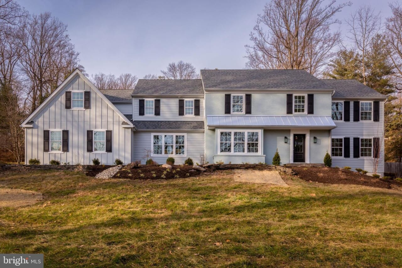 217 Hermitage Dr