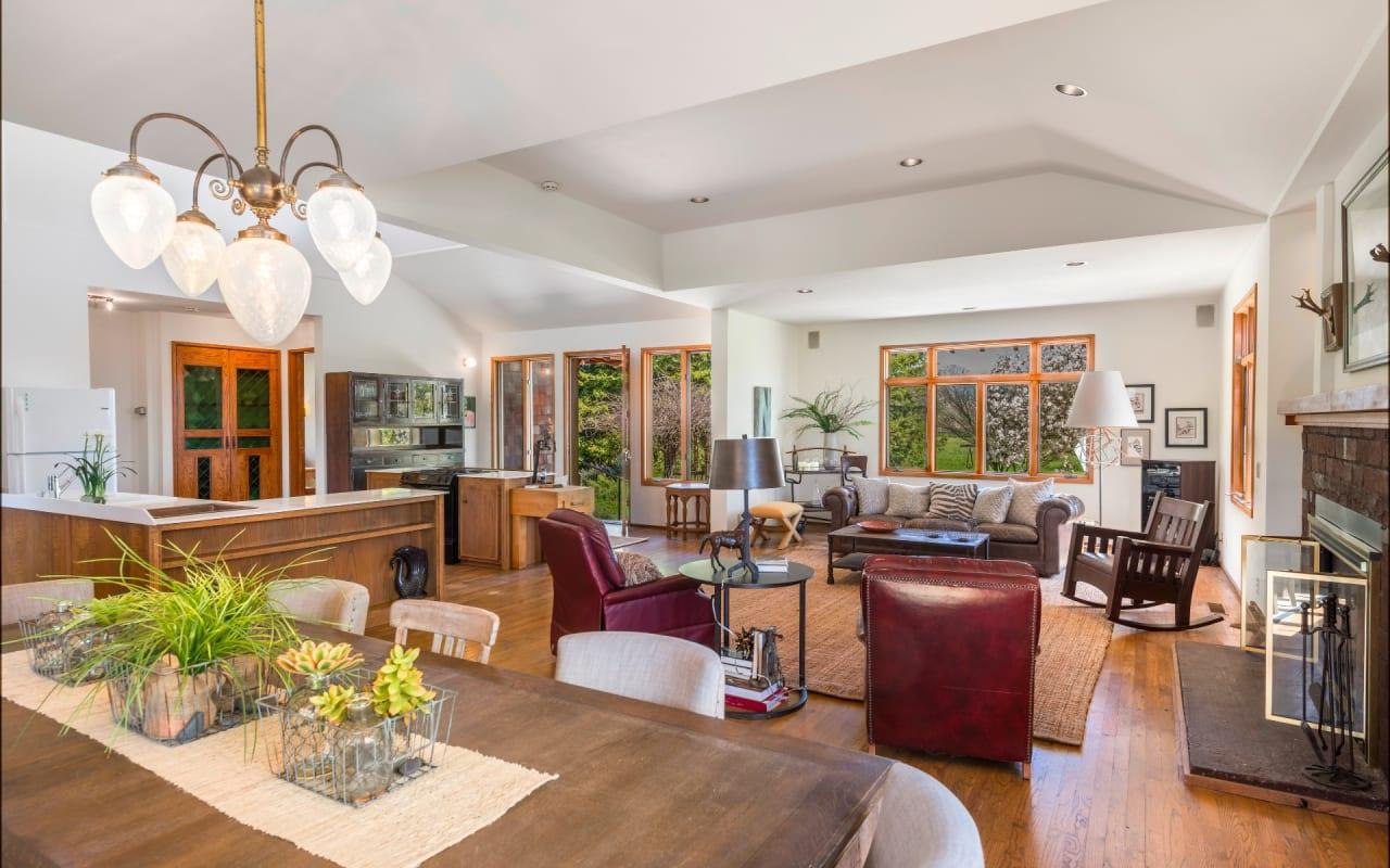 Sold | Vintage East Side Farmhouse Sonoma