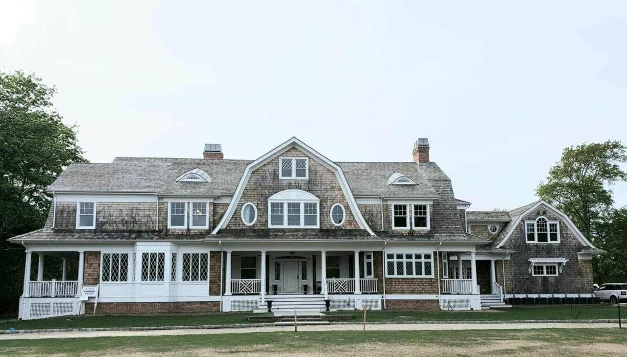 Grand Estate in South Quogue | Summer Rental