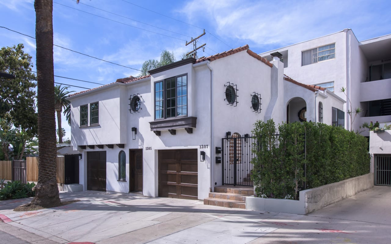 Reimagined Classic Hollywood Duplex