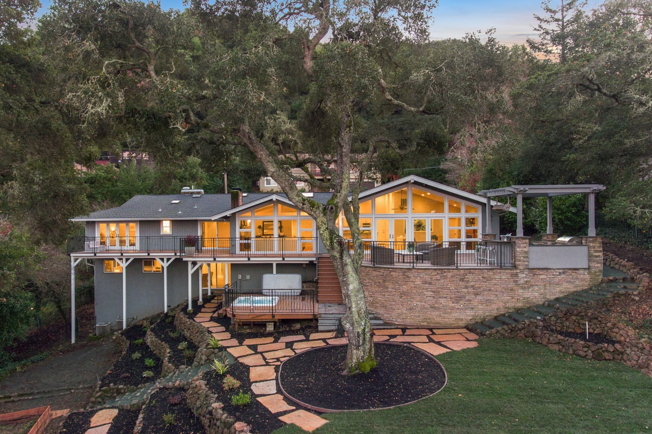 Tranquility in the Heart of Orinda!