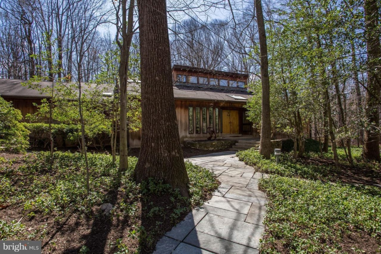 10120 New London Dr