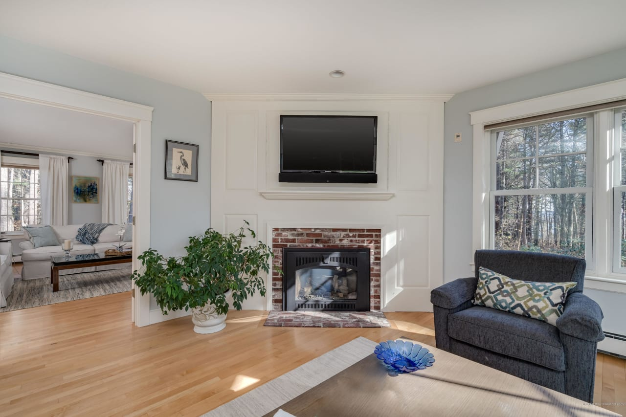 Immaculately Maintained Colonial on Cumberland Foreside