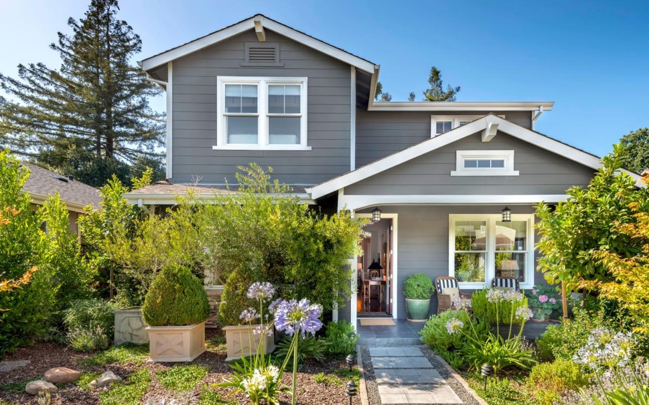 Yountville Farmhouse Reinvents Luxury