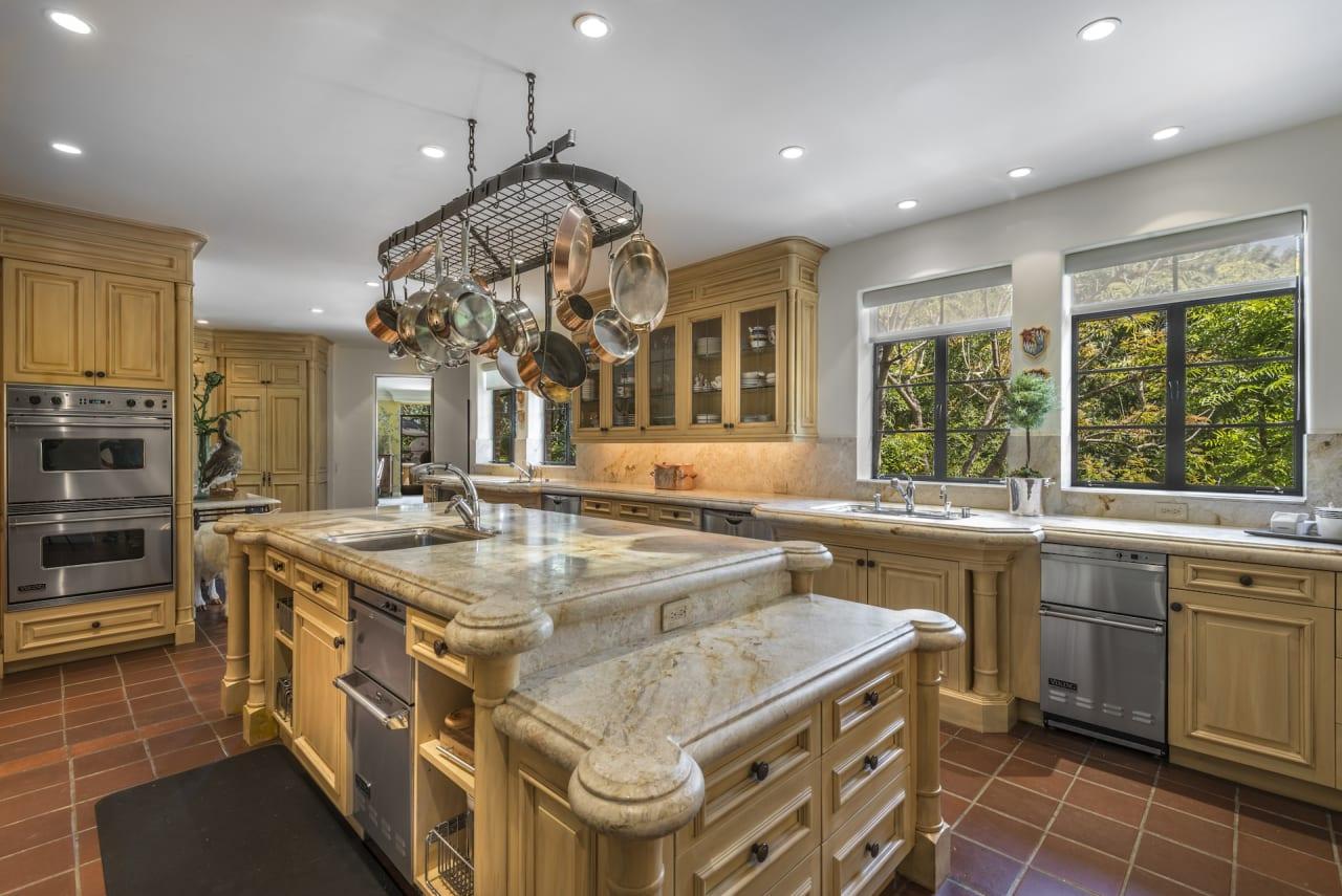 Sold   2727 Sulphur Springs Ave