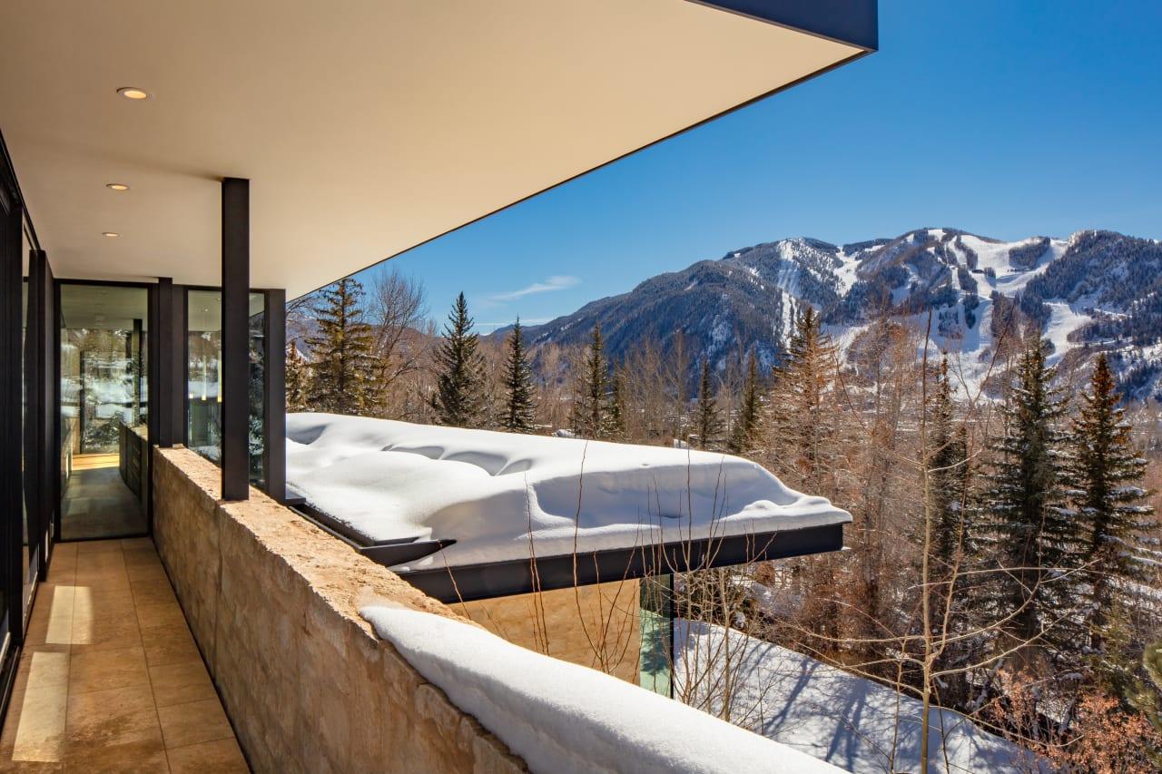 Breathtaking Red Mountain Residence