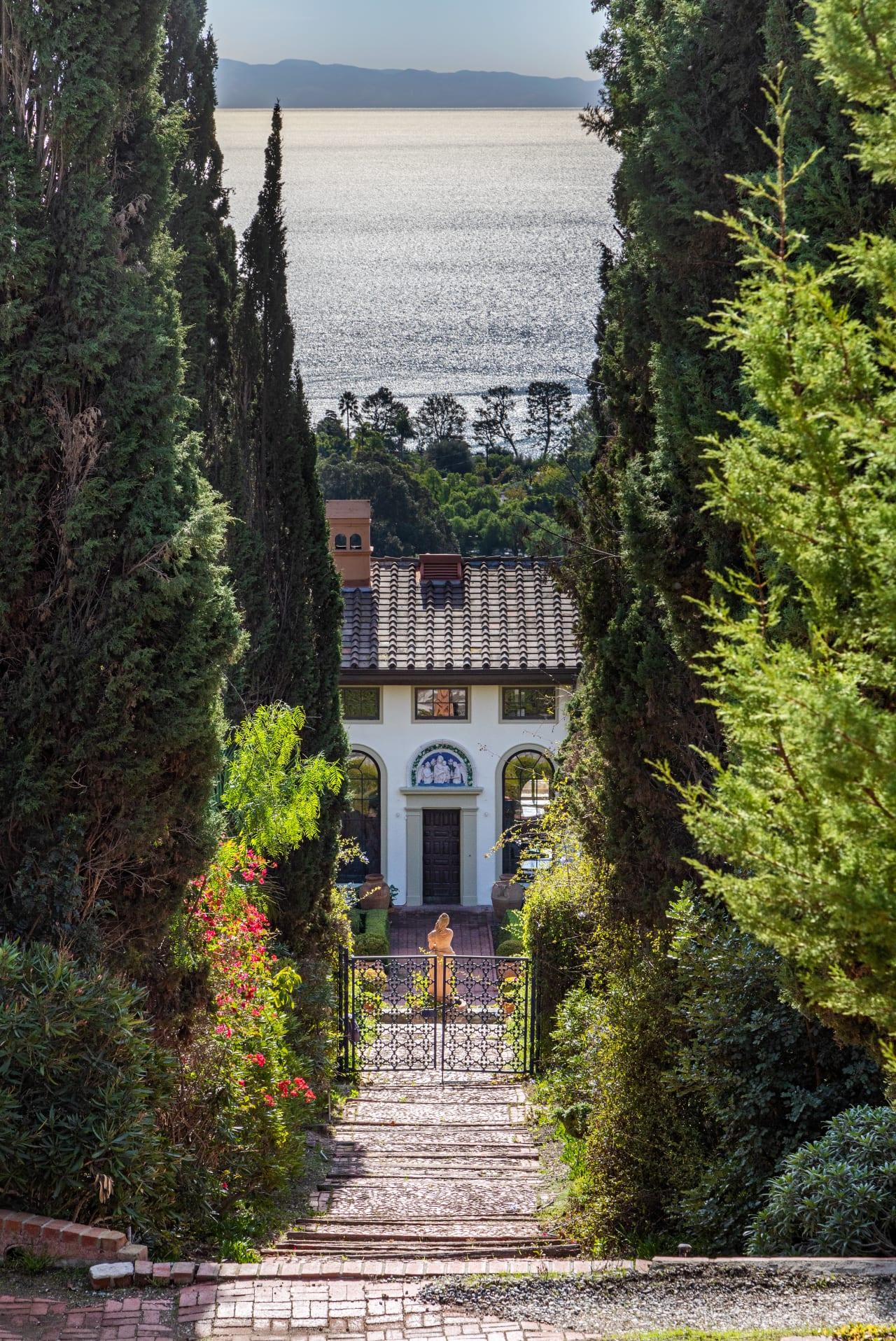 Villa Narcissa - The Peninsula's Crown Jewel