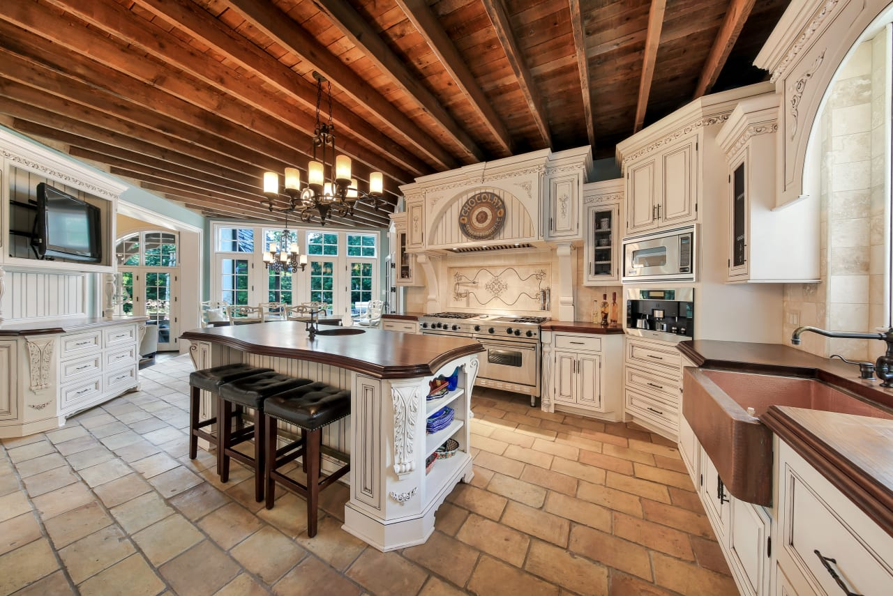 world class home in southeast hinsdale