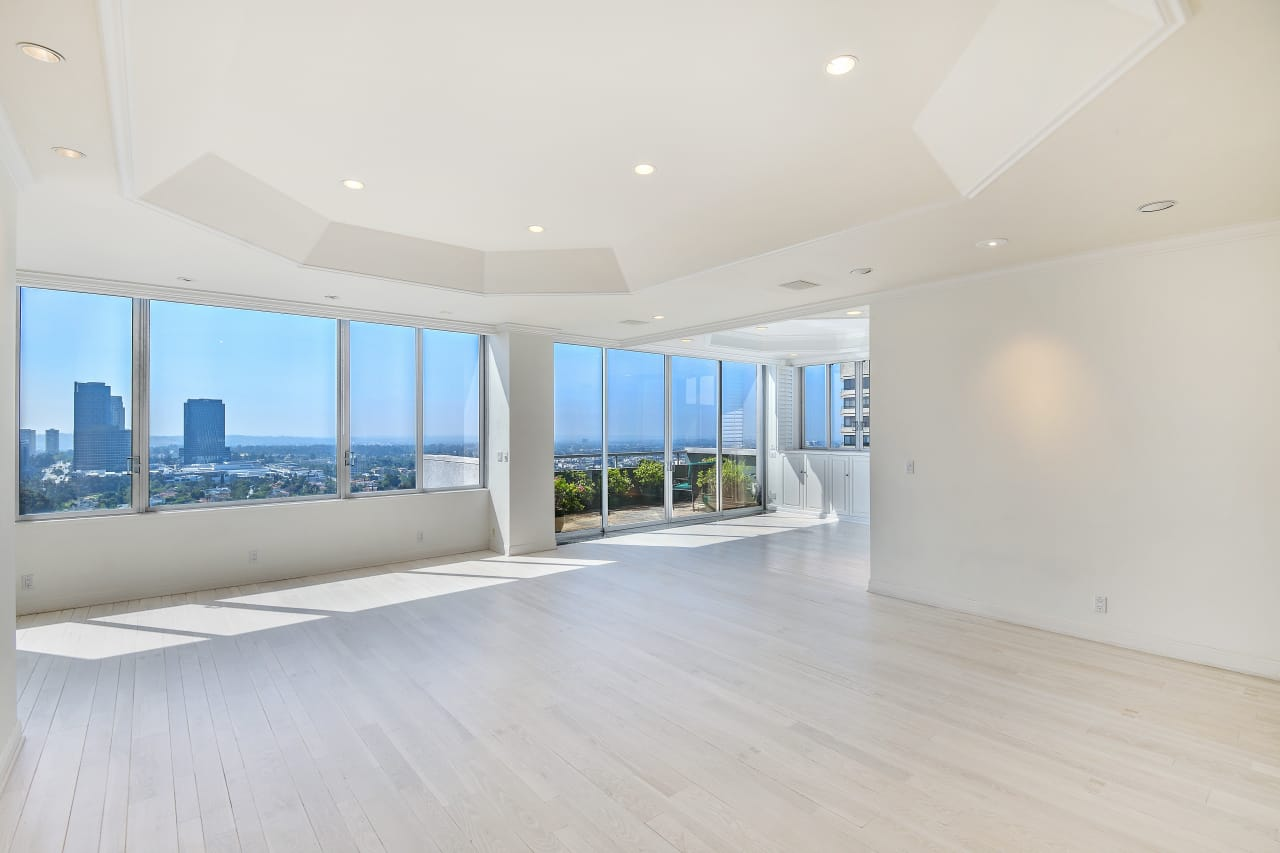 Penthouse for Lease in the Wilshire Comstock