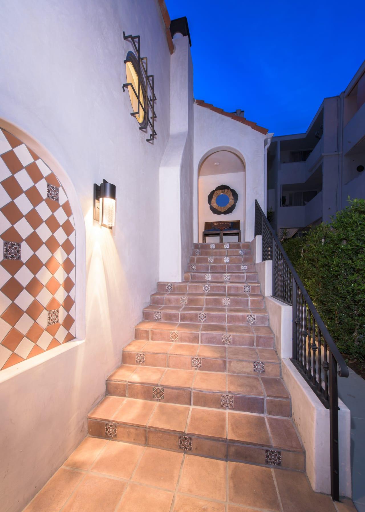 Reimagined Classic Hollywood Duplex