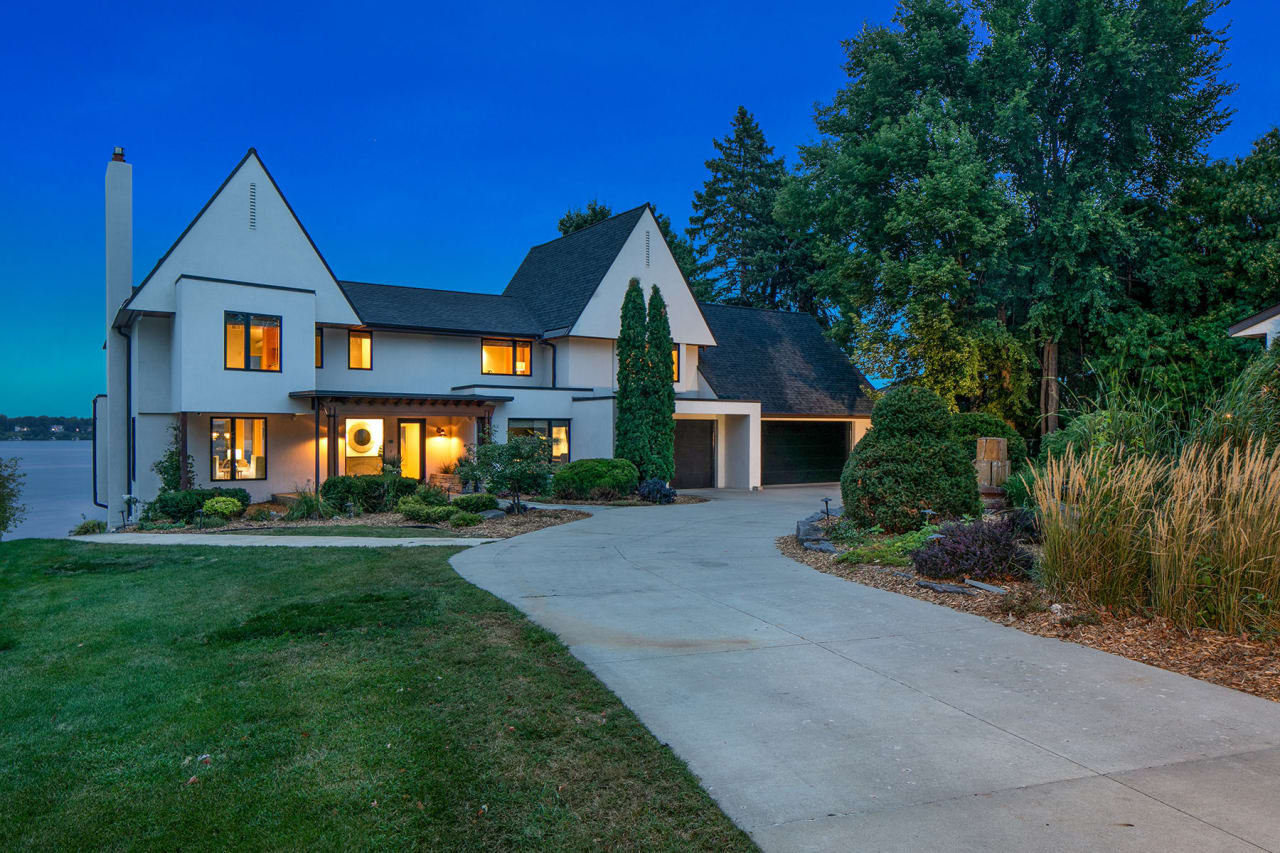50 Interlachen Lane | Tonka Bay
