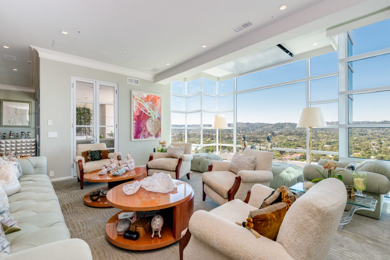 Exquisite 3+3.5 Condominium in La Tour