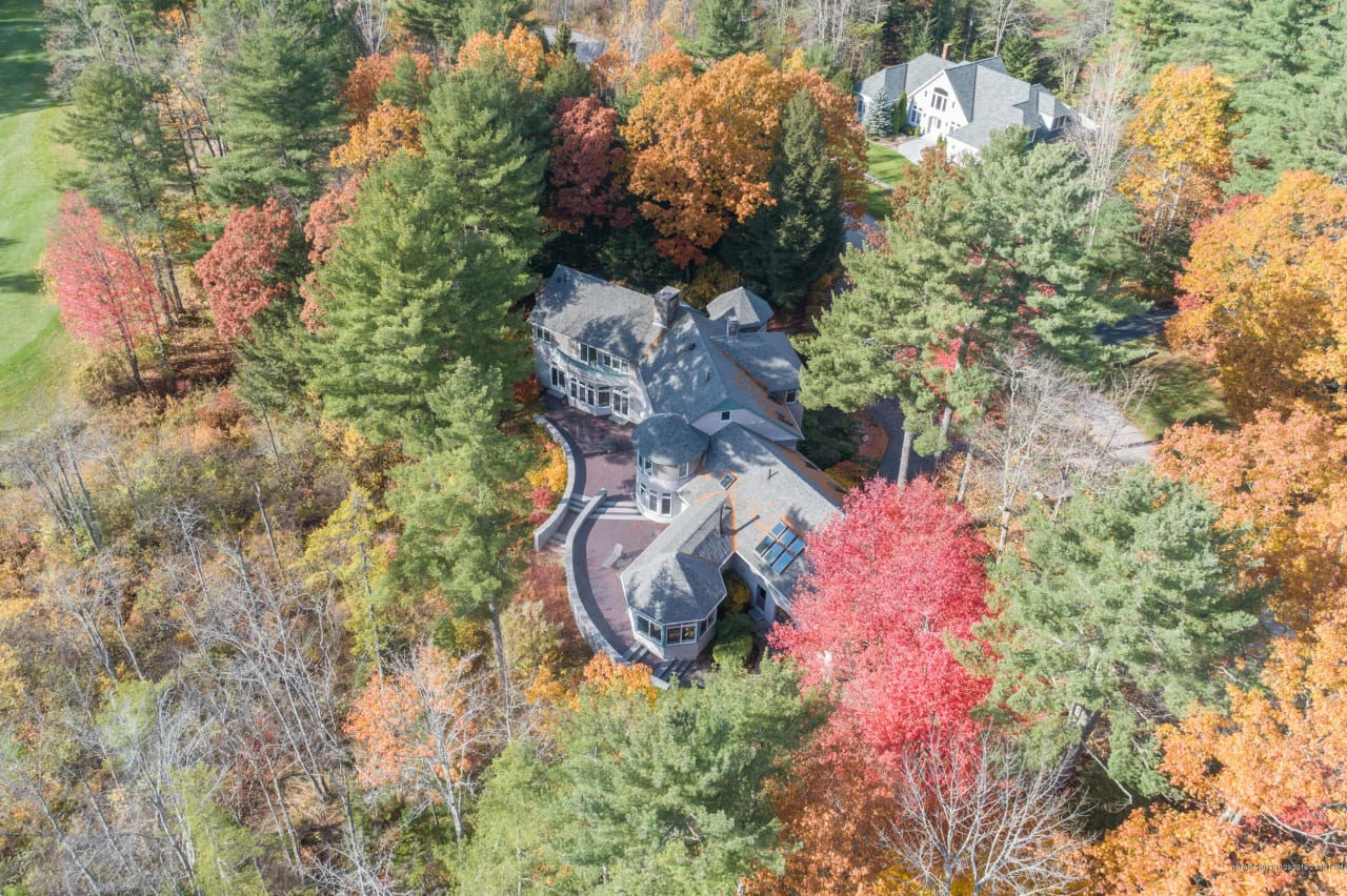 Stunning Estate at Woodland's 4th Hole!