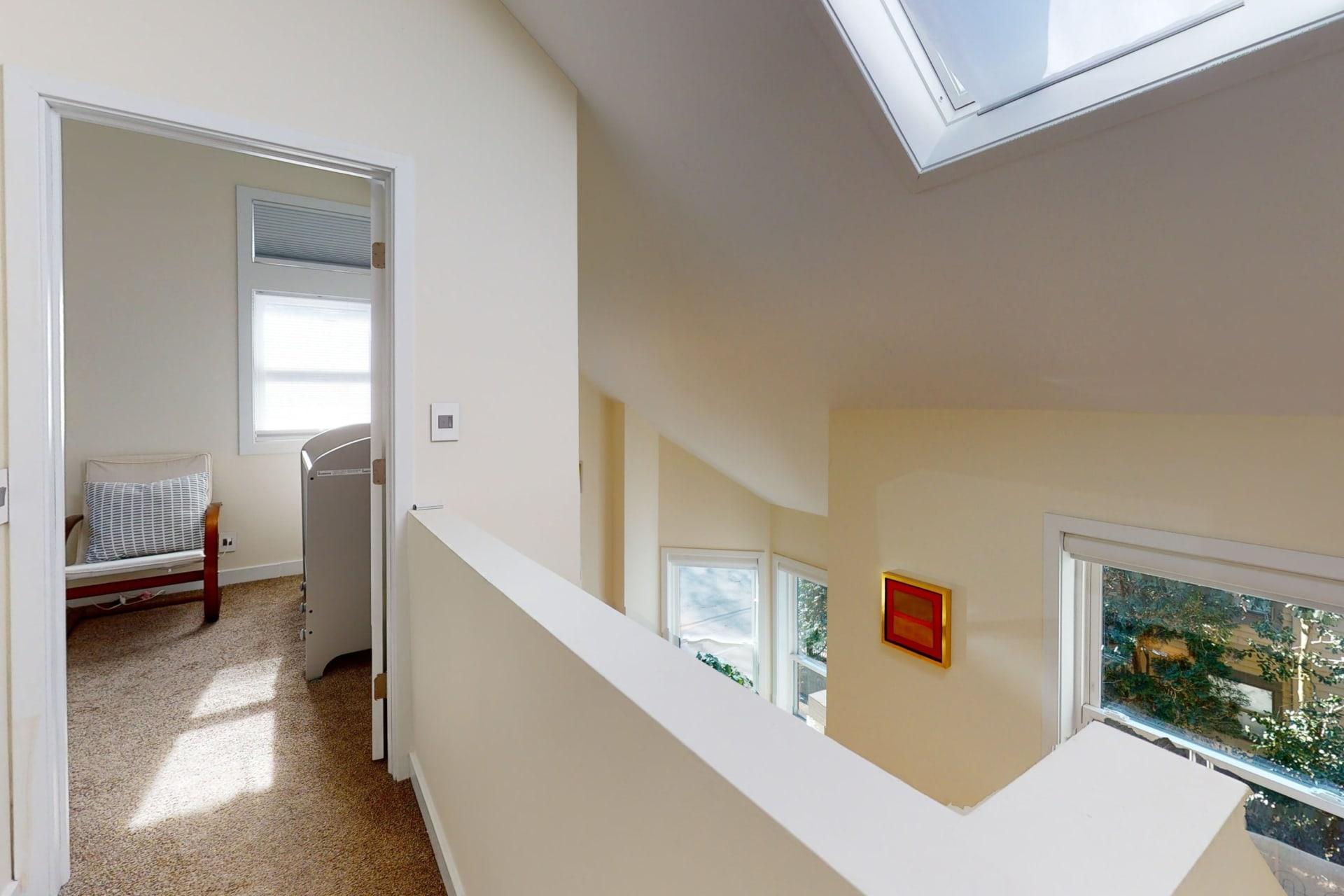 Cambridge Single-Family End Unit Townhouse for Rent photo