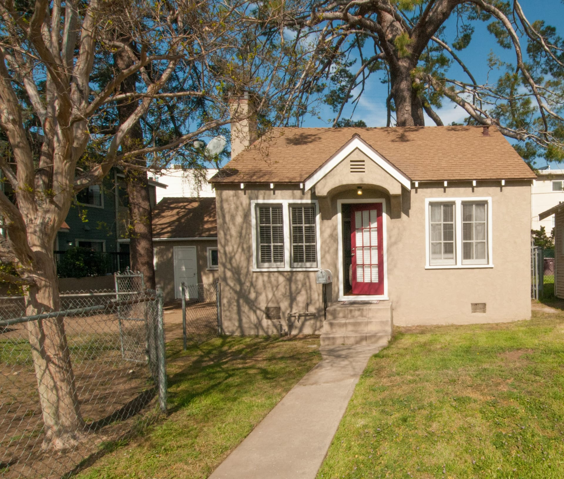1057 Linden Ave. photo