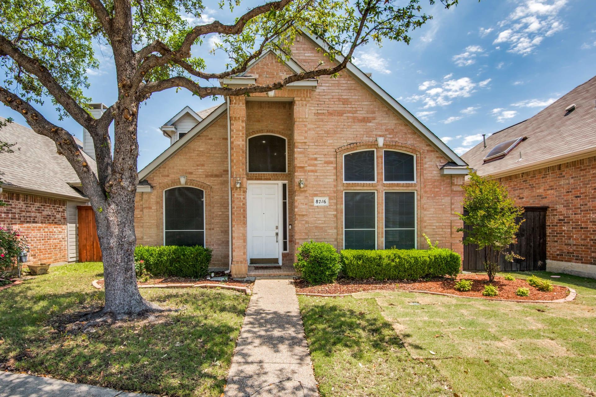 8716 Falls Rd. Irving Texas photo