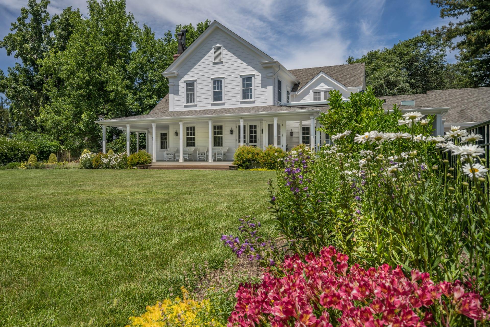 Farmhouse Estate + Vineyard
