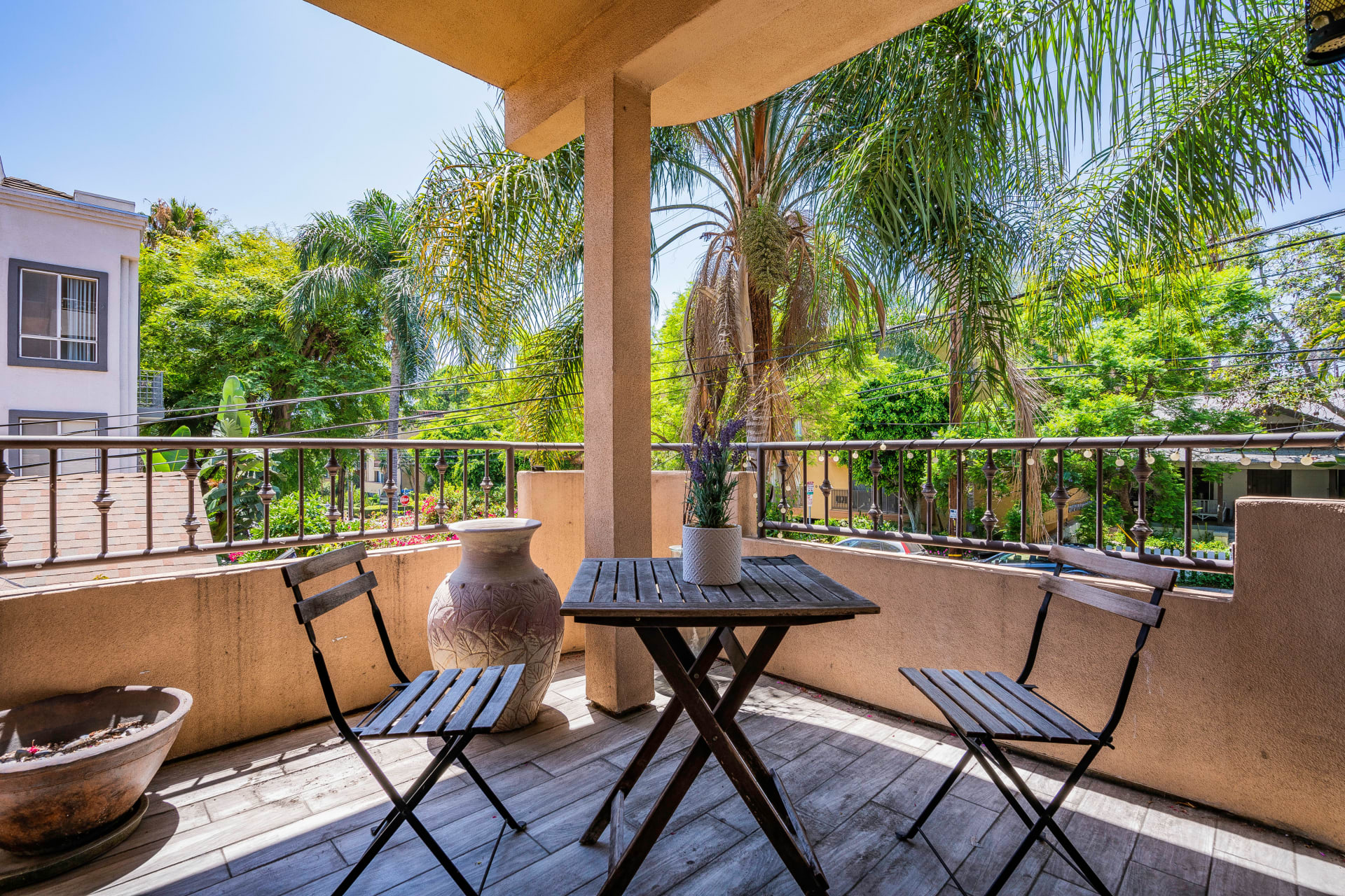 924 Palm Ave #101, West Hollywood, CA photo