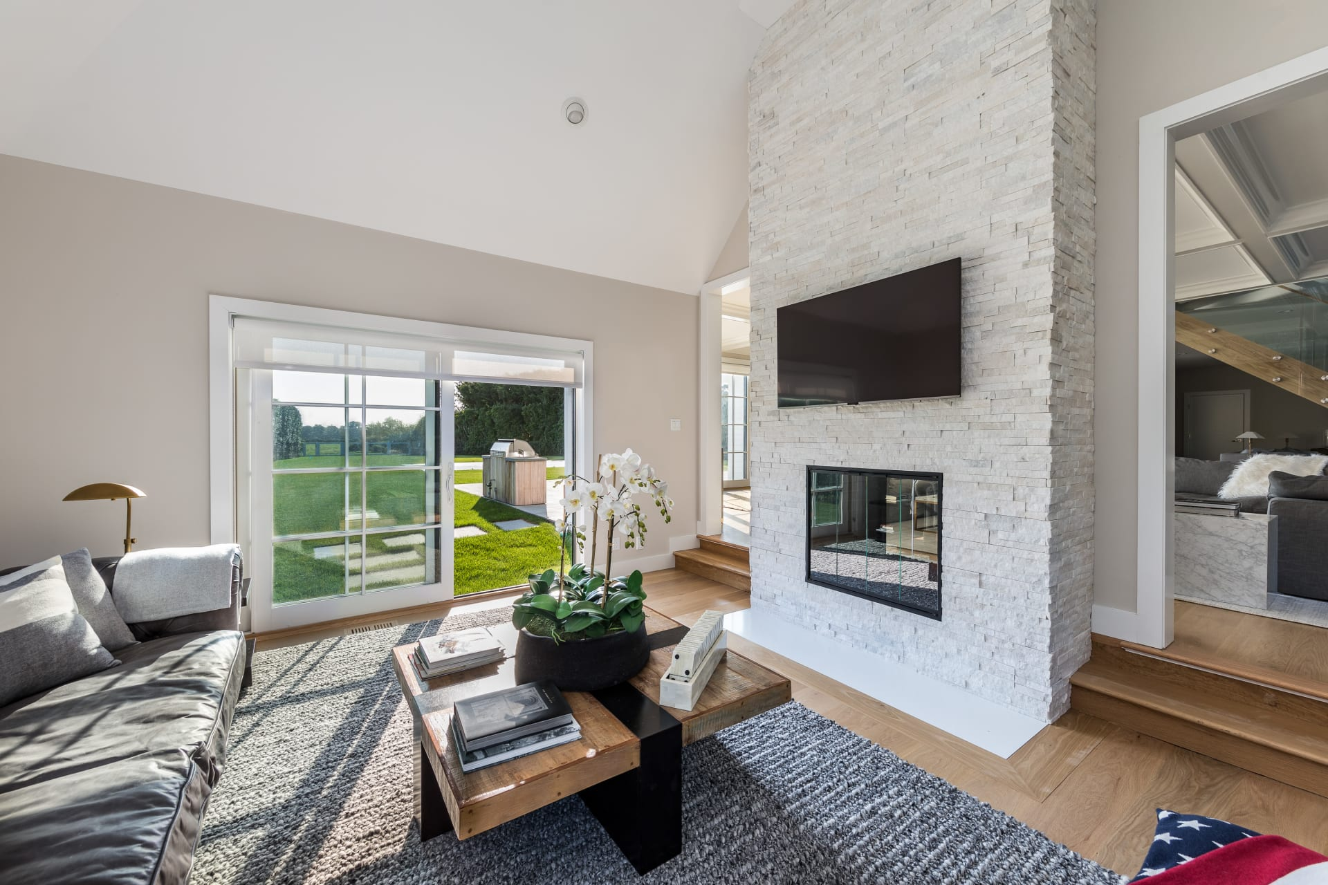 Newly Finished Modern Farm House with Reserve Views
