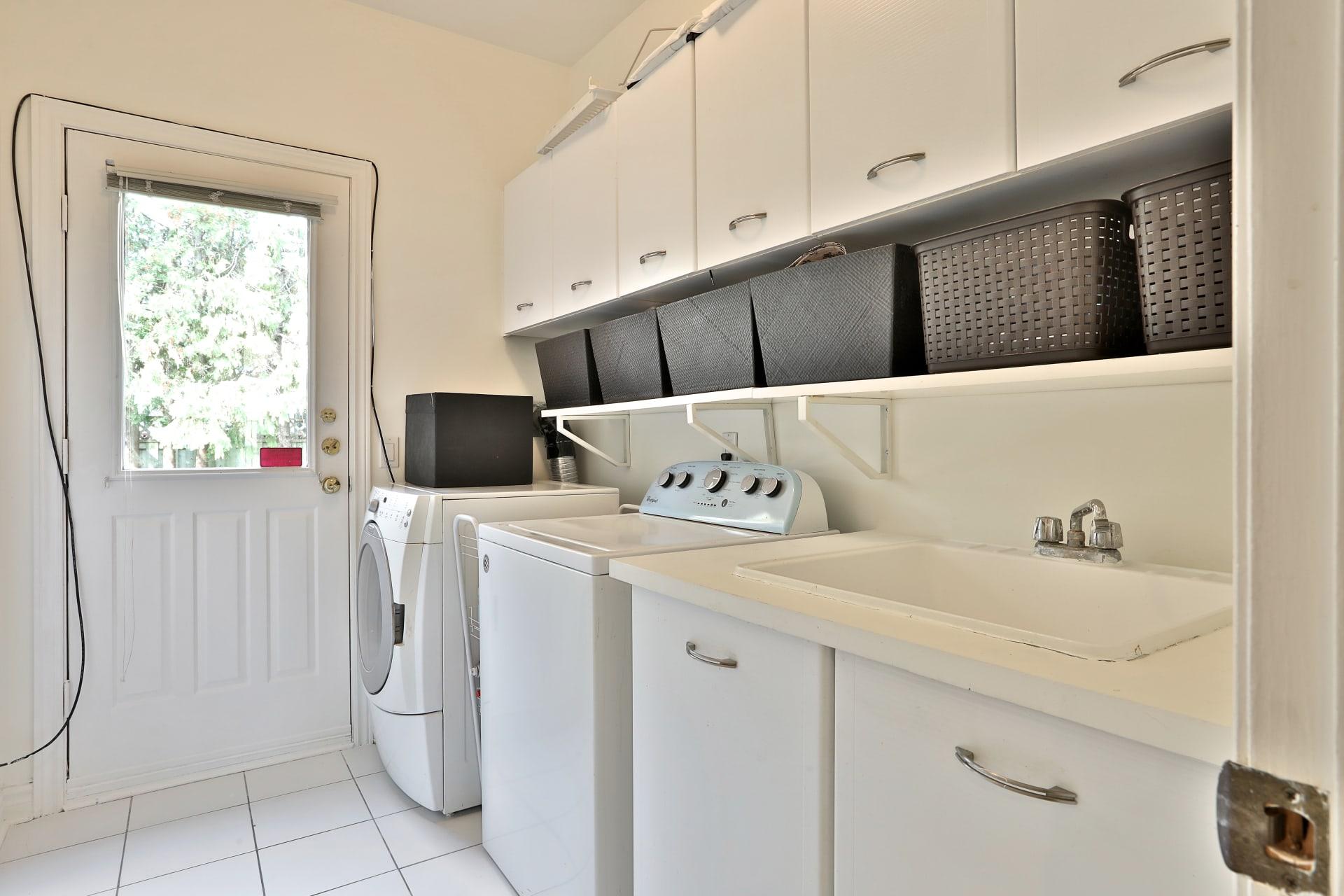 Sold: Desirable Westmount/Wilshire Enclave