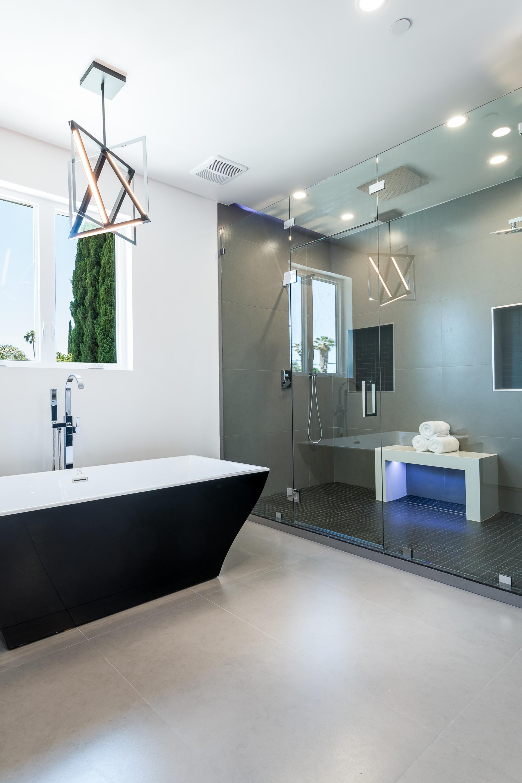 Stunning Modern Smart Home in Sherman Oaks photo