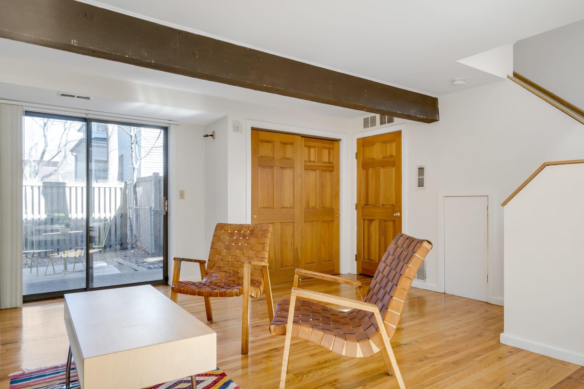 Cambridge Single-Family Townhouse for Rent photo