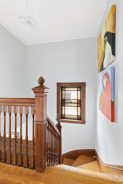 166 Sycamore, Somerville—turn of the century top floor duplex photo