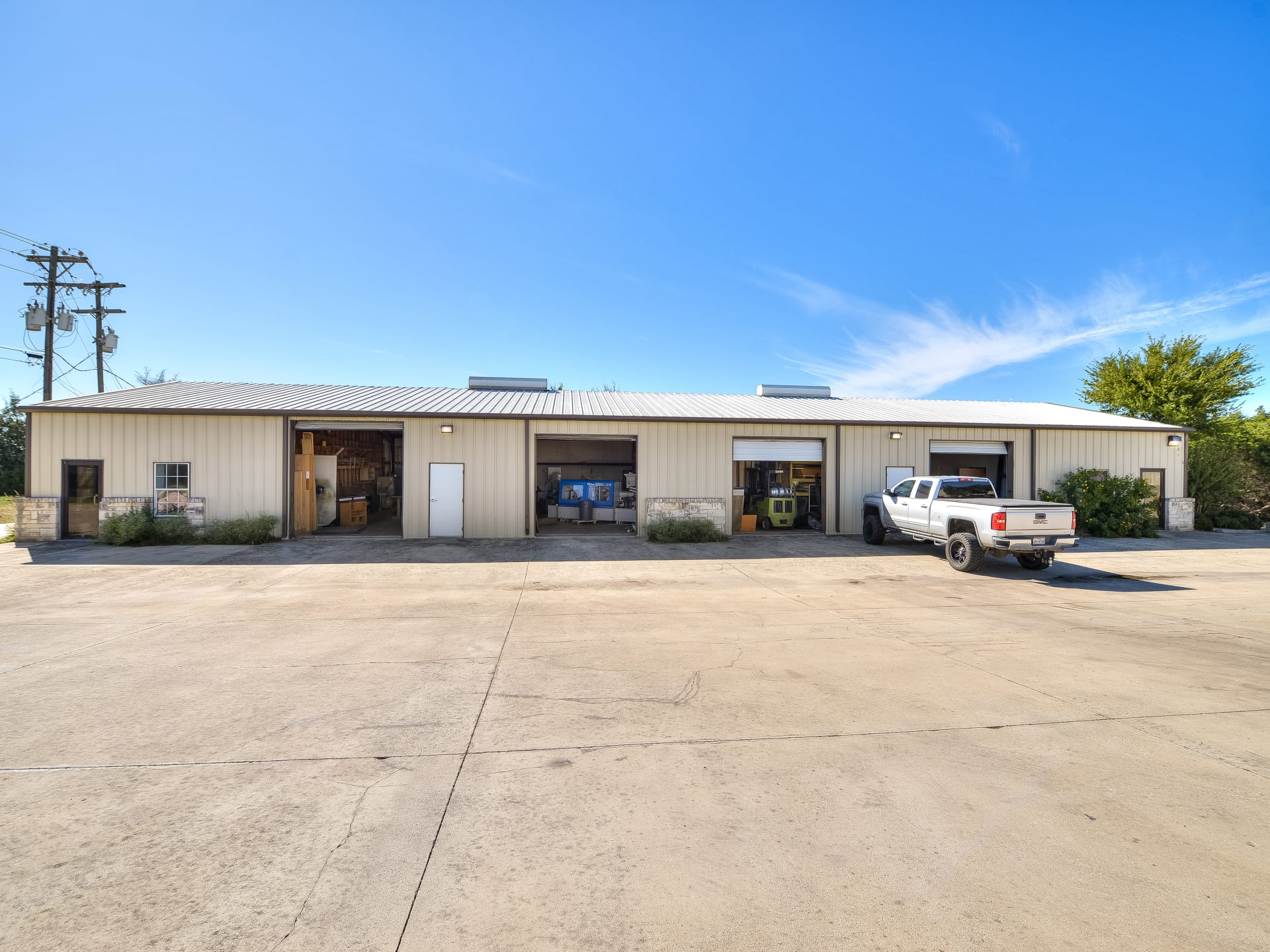 Dripping Springs Commercial Space for Lease photo