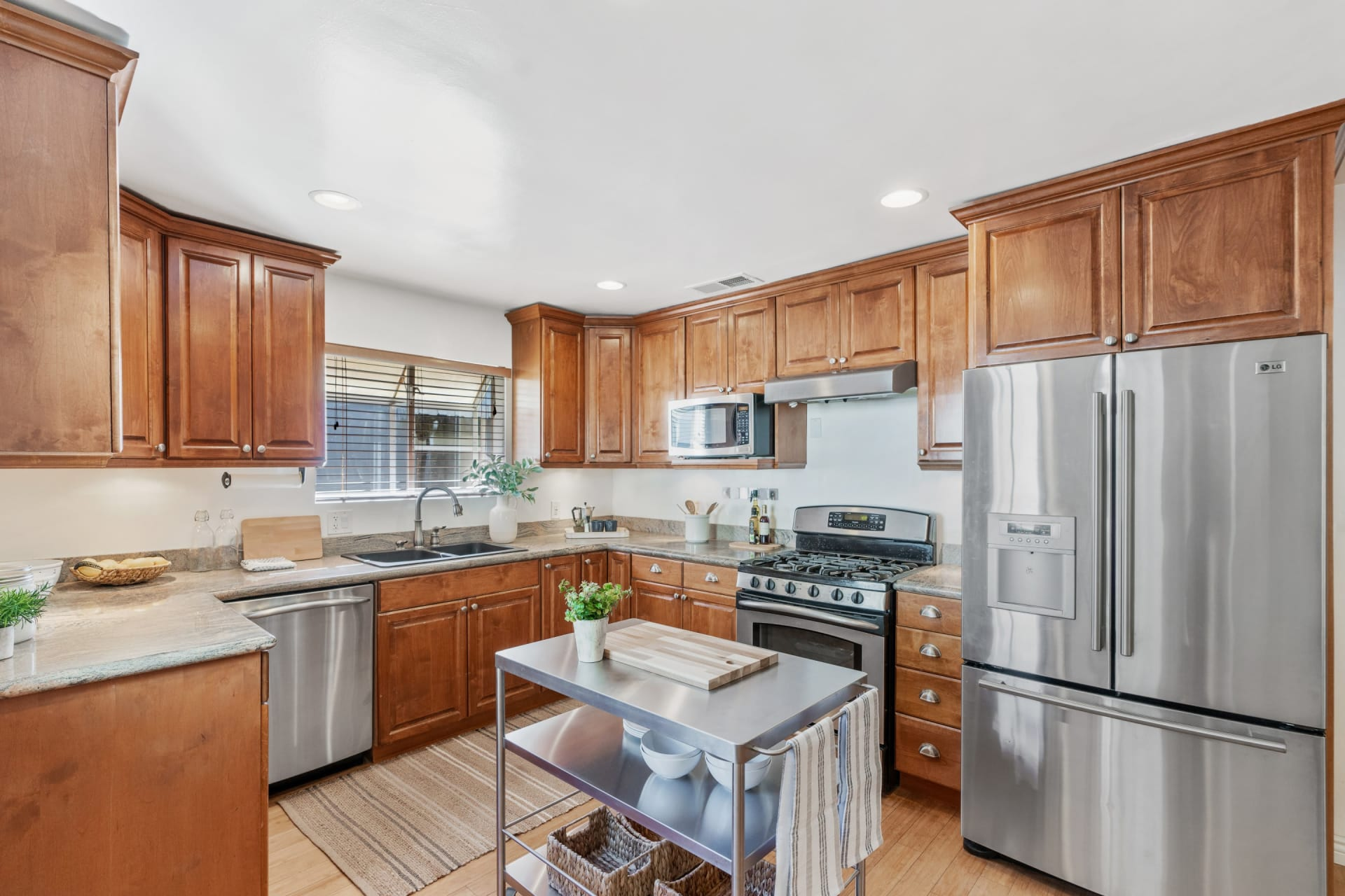 Beautiful Turnkey Traditional in the Foothills of Altadena photo