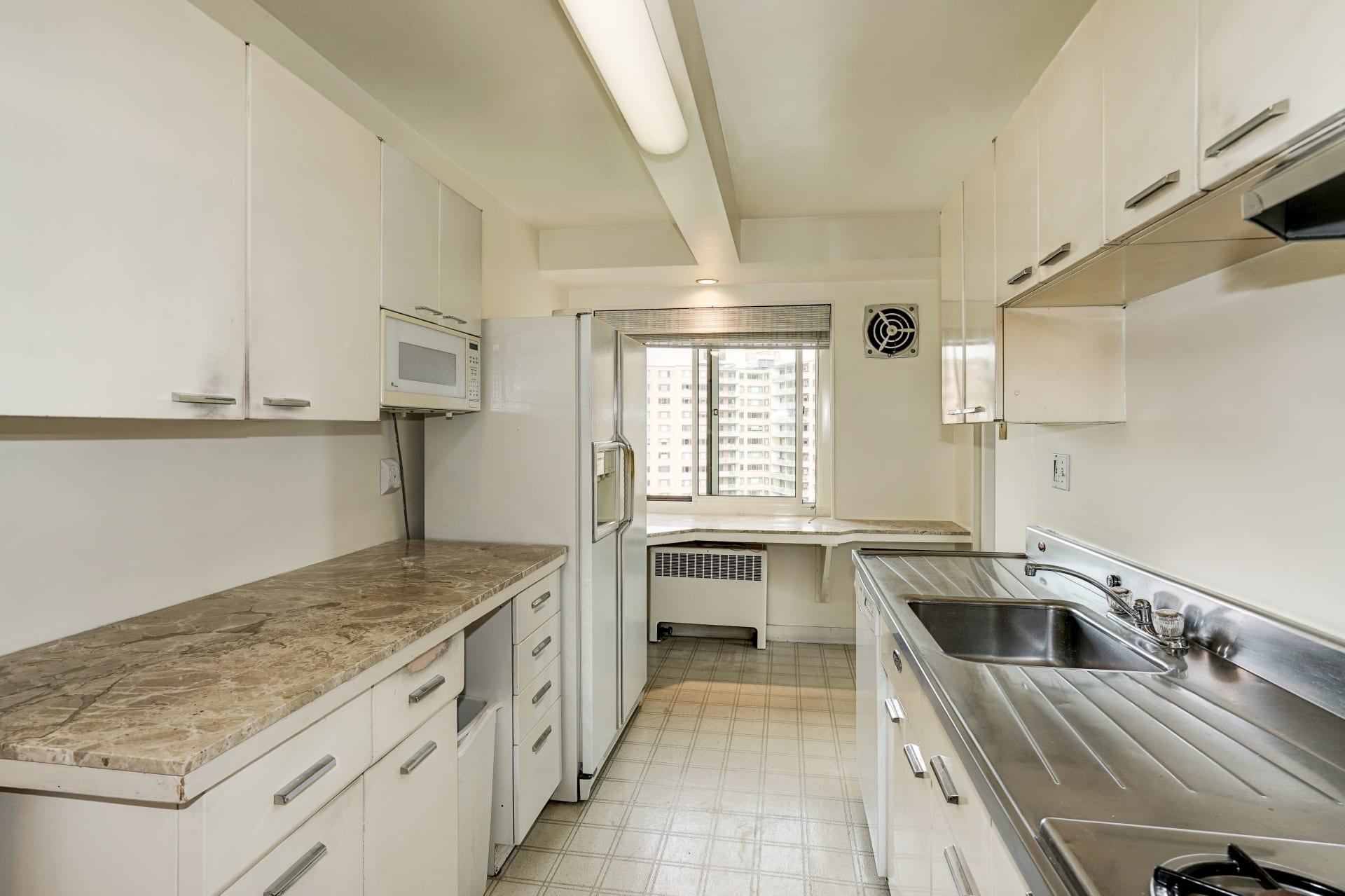 4201 Cathedral Ave NW #915W photo