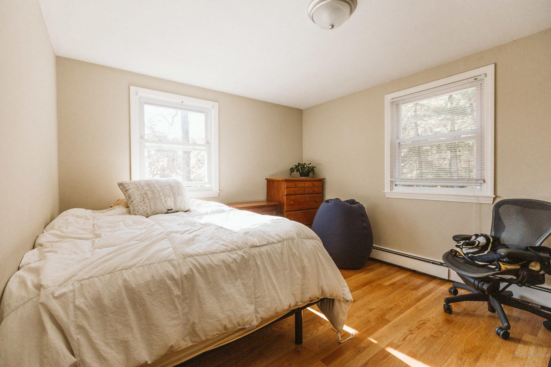 Convenient Falmouth location - 4 bedroom Garrison