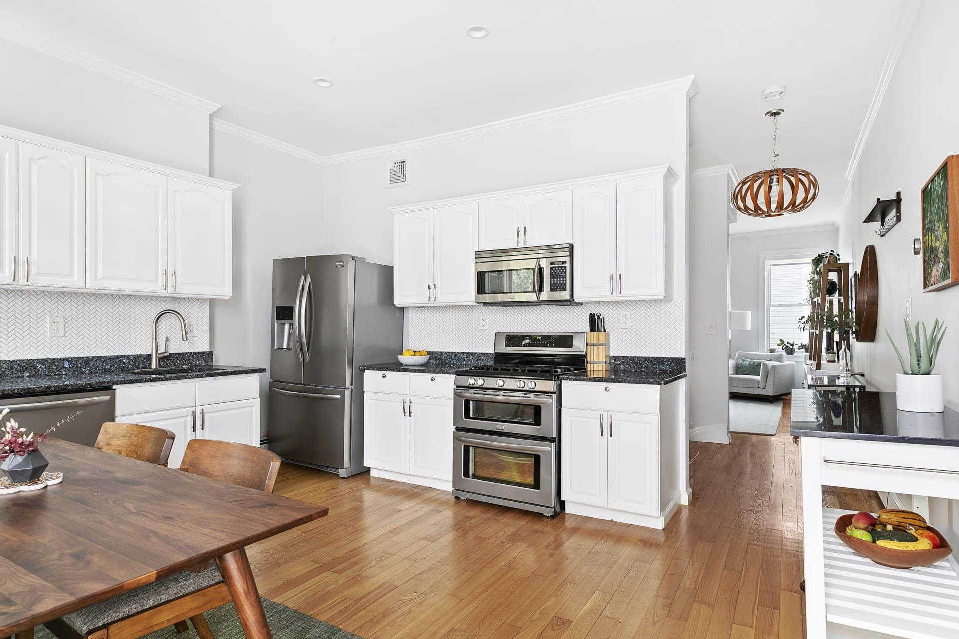 213 Green Street—Central Square top floor duplex Brownstone photo