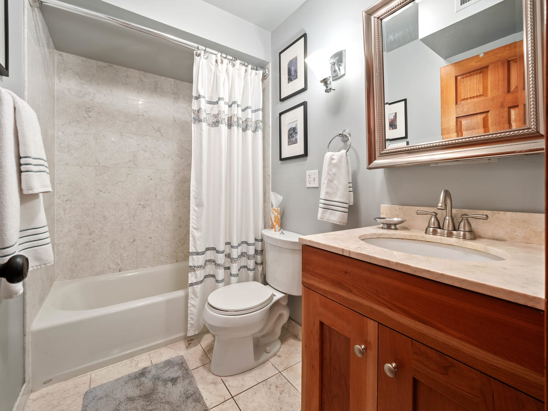 512 W Barry Ave, #312 photo