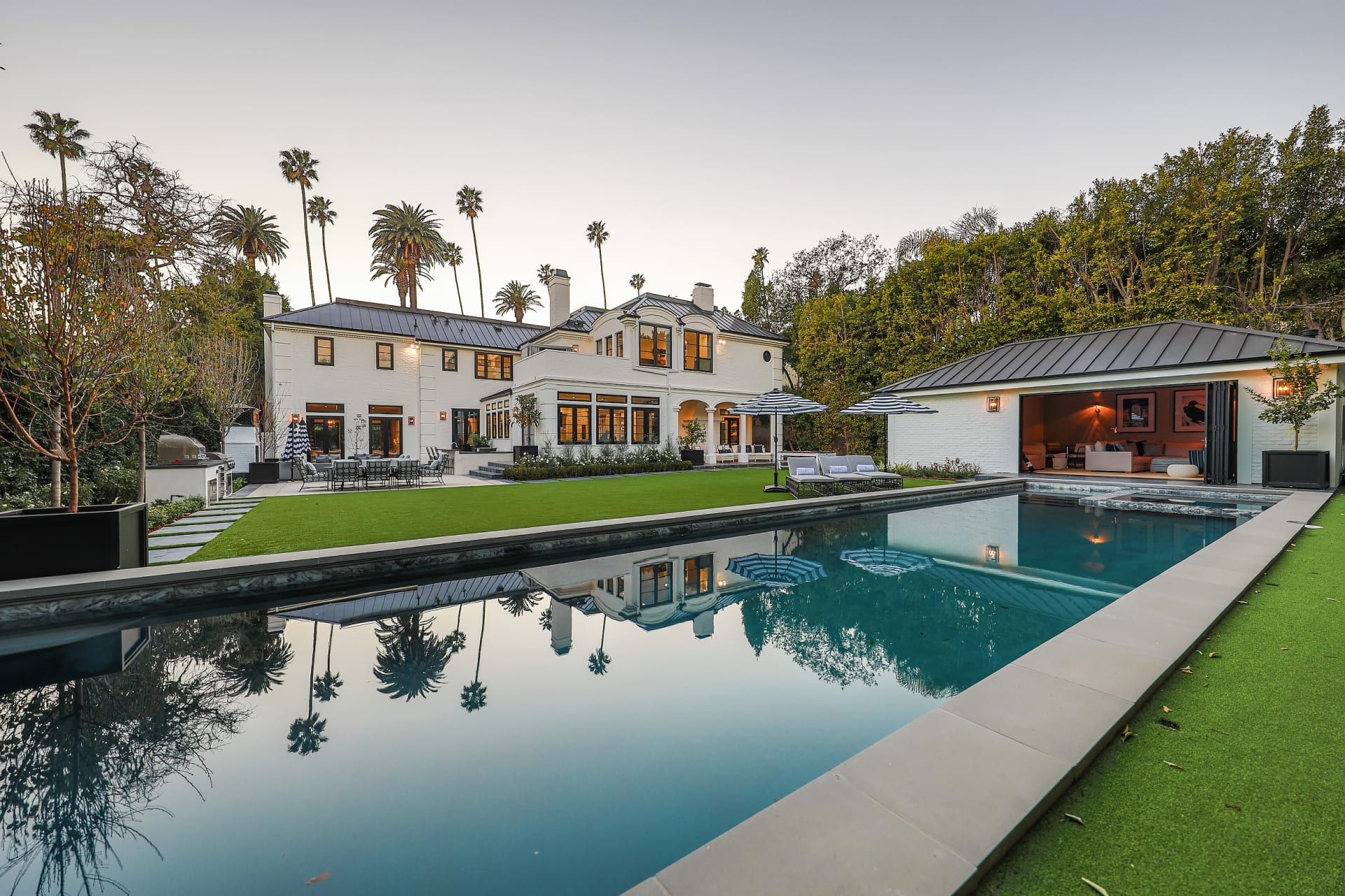 Beverly Hills Flats photo