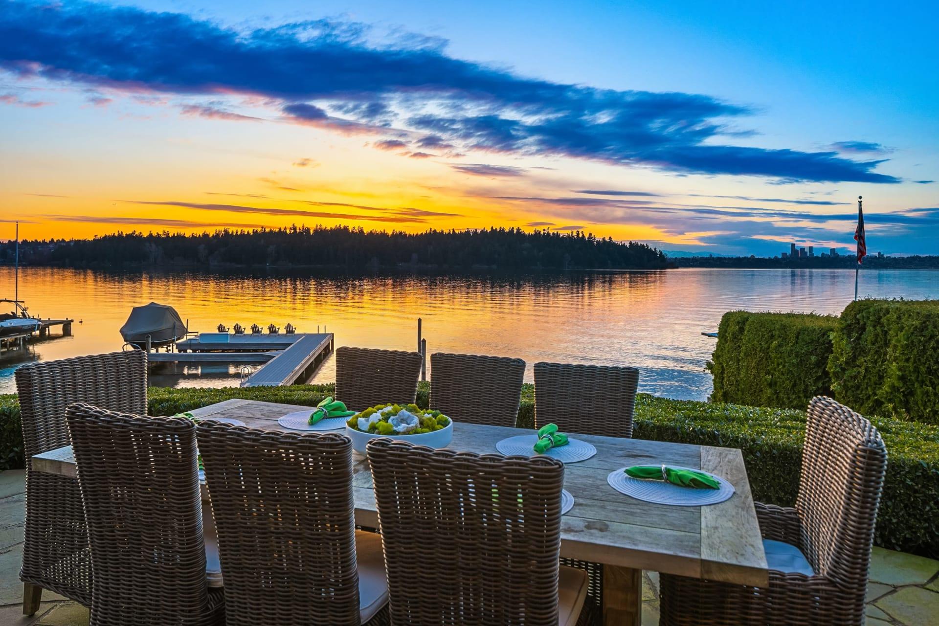 Gold Coast Lakefront Living photo