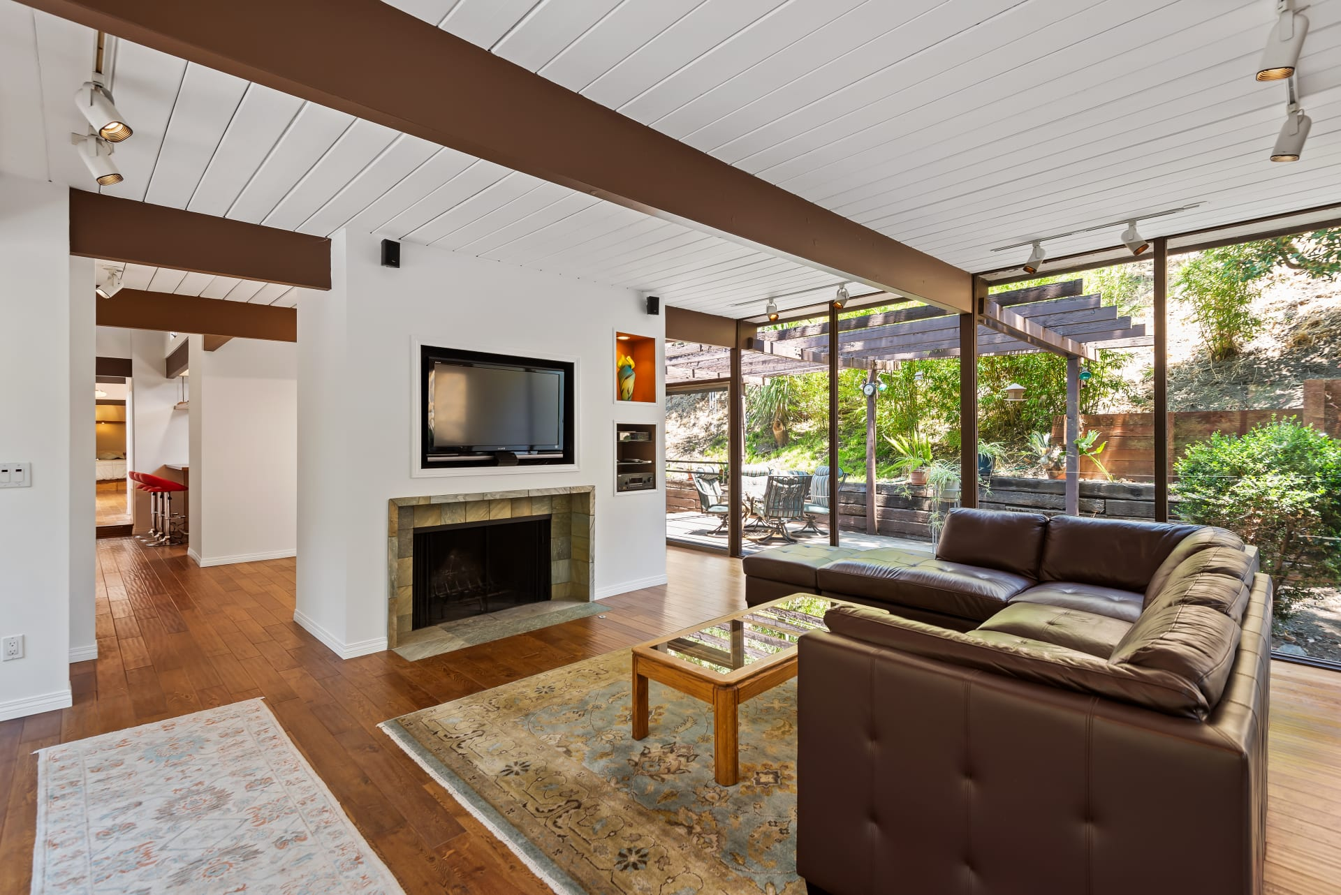 Mid-Century Architectural Treehouse | Brentwood photo