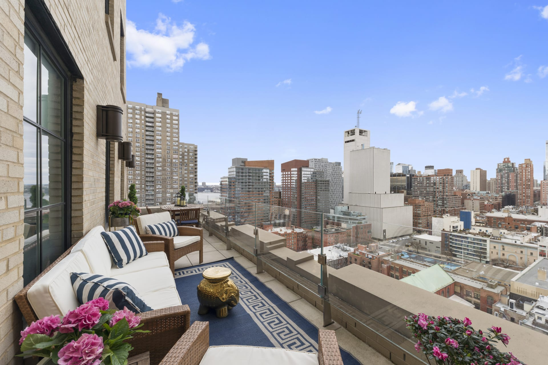 Terrace Lover's Dream with Stunning City and River Views!
