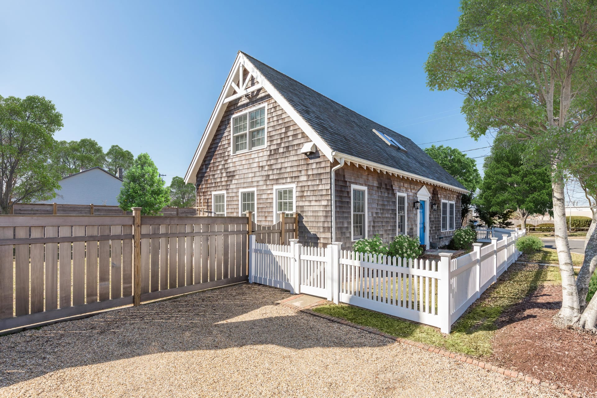 Bridgehampton Village Charming Carriage-Style Cottage