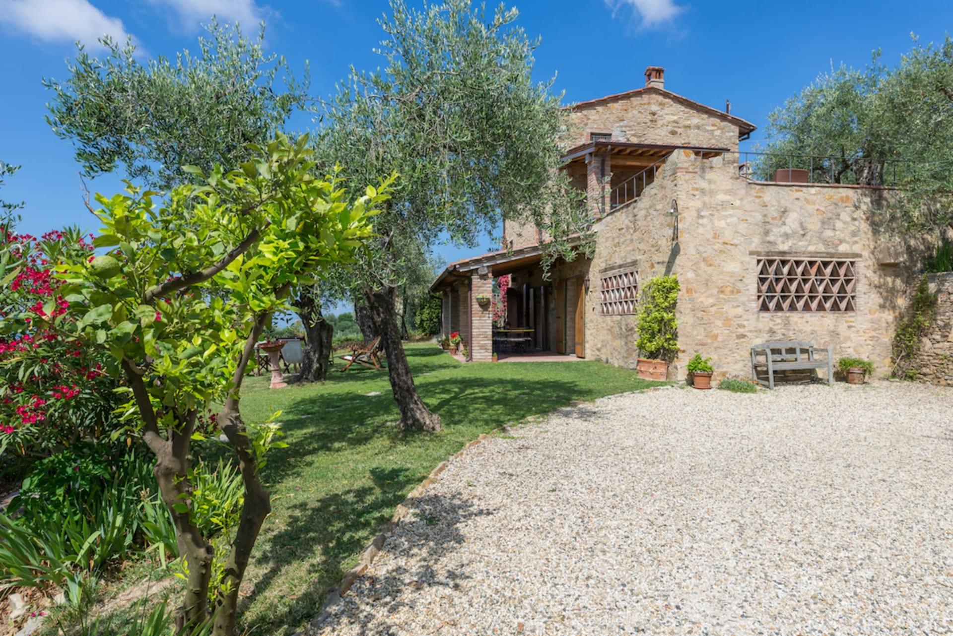Property Spotlight: Villa Il Luppolo Nero In Tuscany