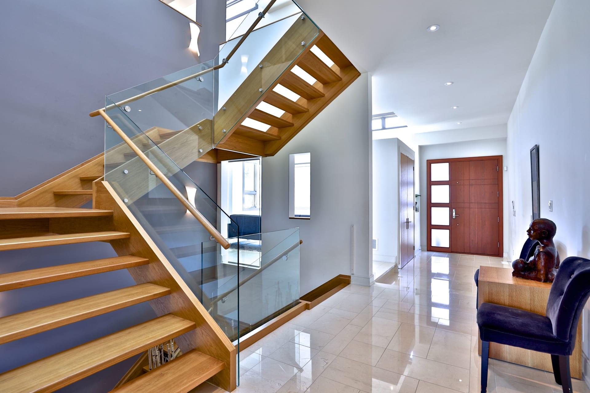 Modern Luxury In Prime York Mills