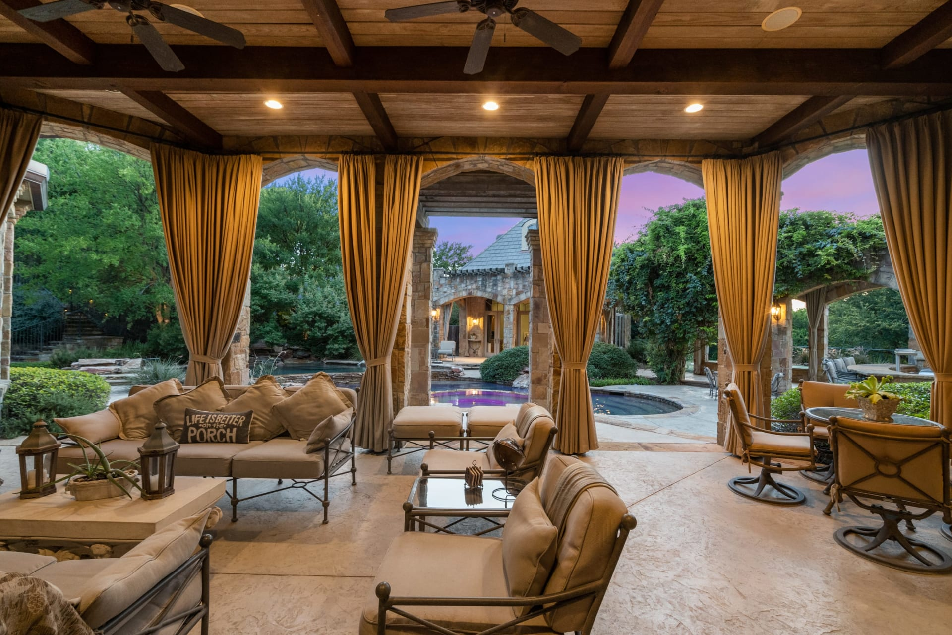 Grand Estate in Mira Vista photo