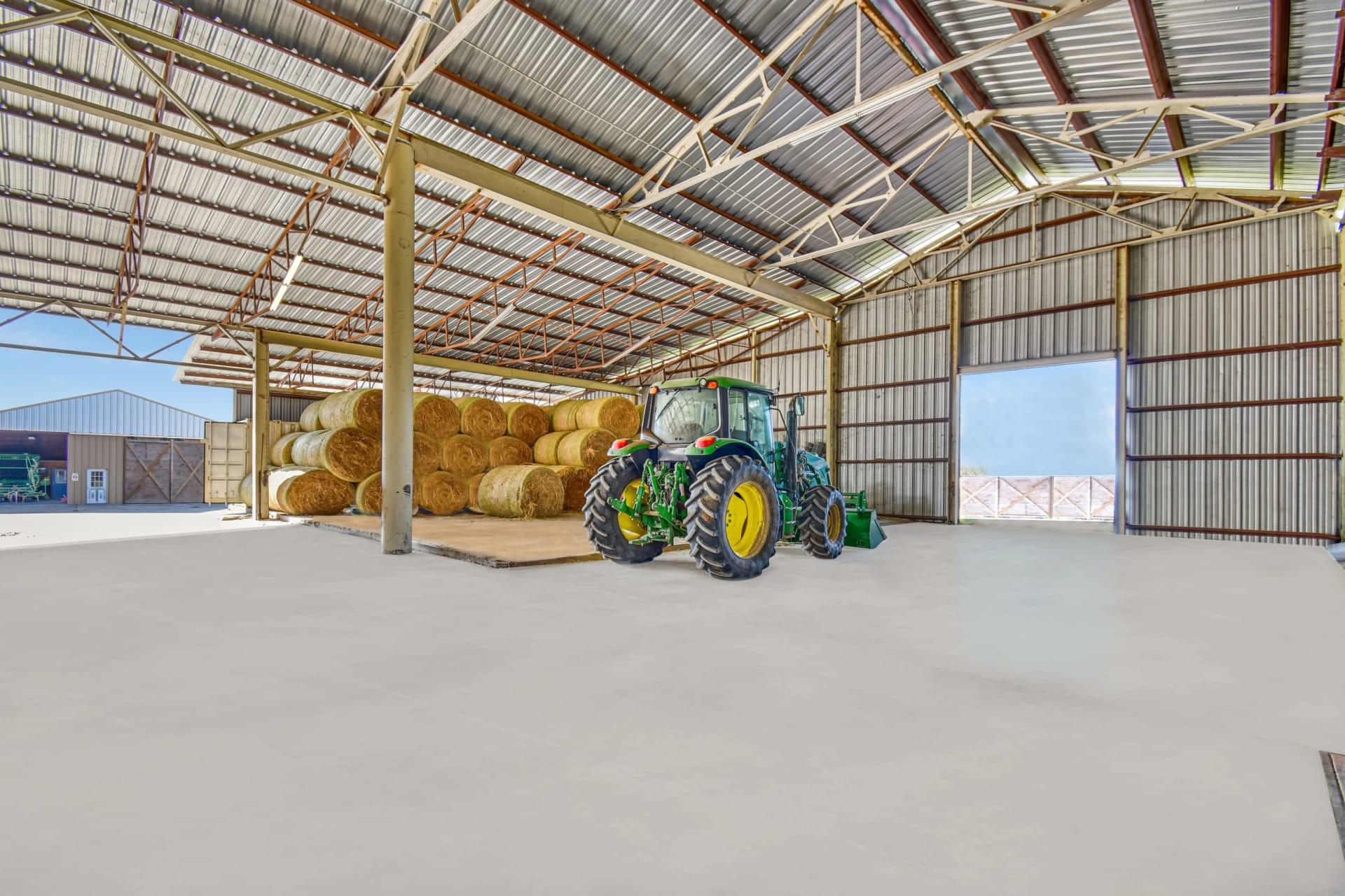 Diamond L Ranch Land & Commercial Features photo