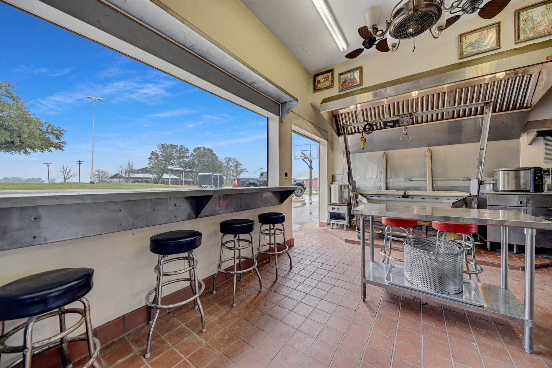 Diamond L Ranch Commercial Kitchen photo