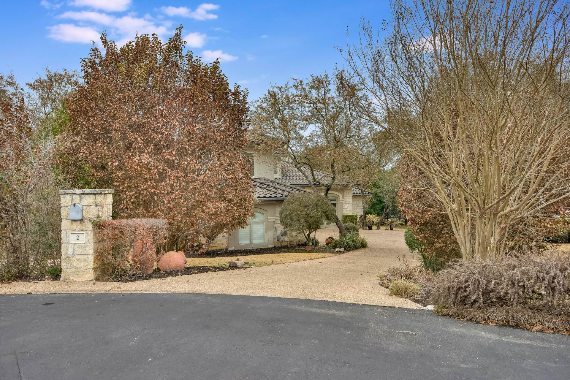 2 Monarch Oaks Lane photo