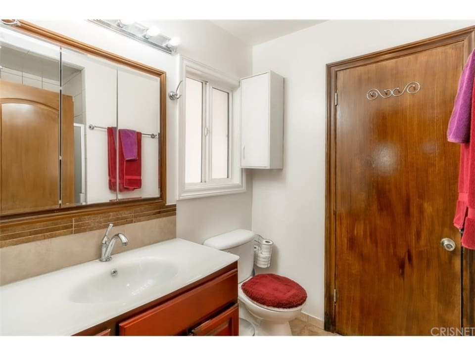 14937 Leadwell St preview
