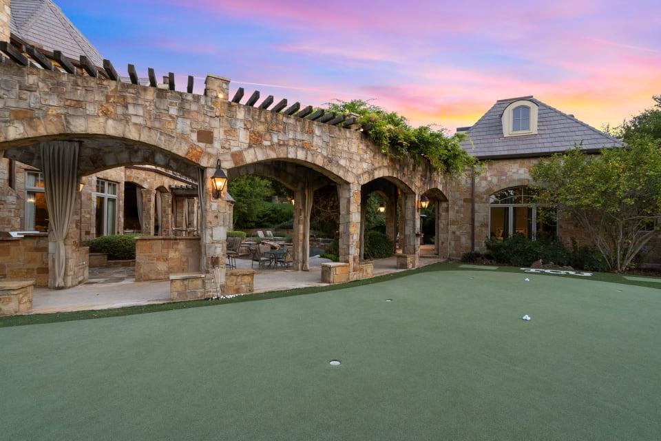 Grand Estate in Mira Vista preview